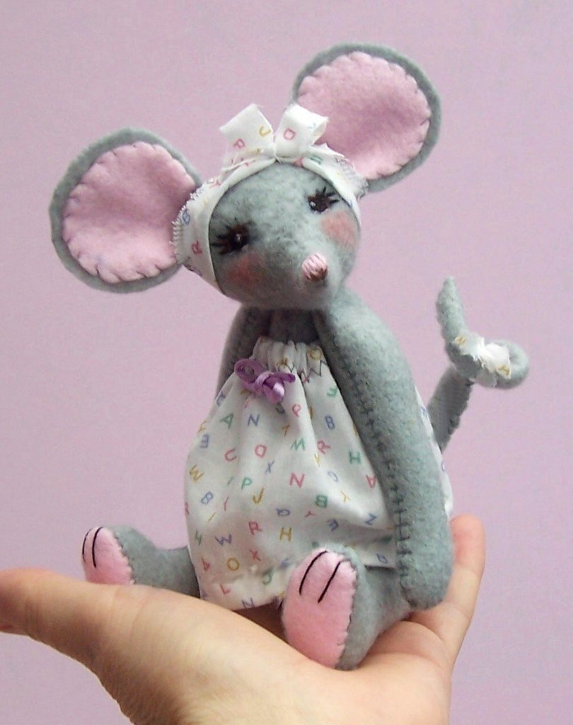 Miss Stitch soft toy mouse digital sewing pattern