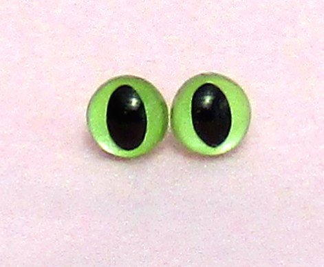 Green pearl Cat's eyes - plastic safety 9mm