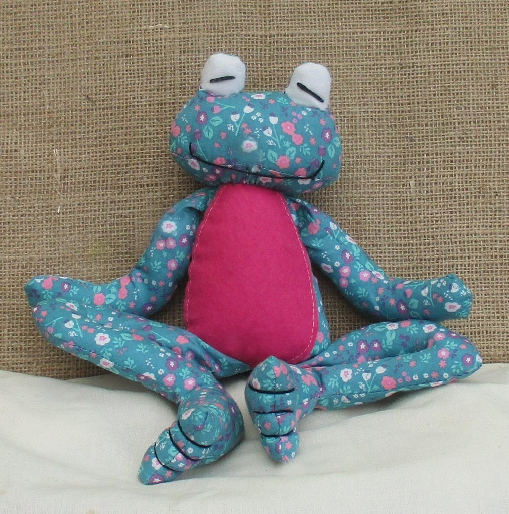 Soft Toy Patterns : Fritz frog soft toy sewing pattern pcbangles