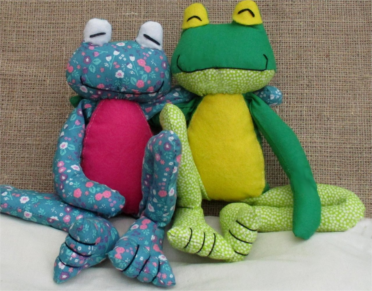 fritz frog soft toy sewing pattern pcbangles. Black Bedroom Furniture Sets. Home Design Ideas