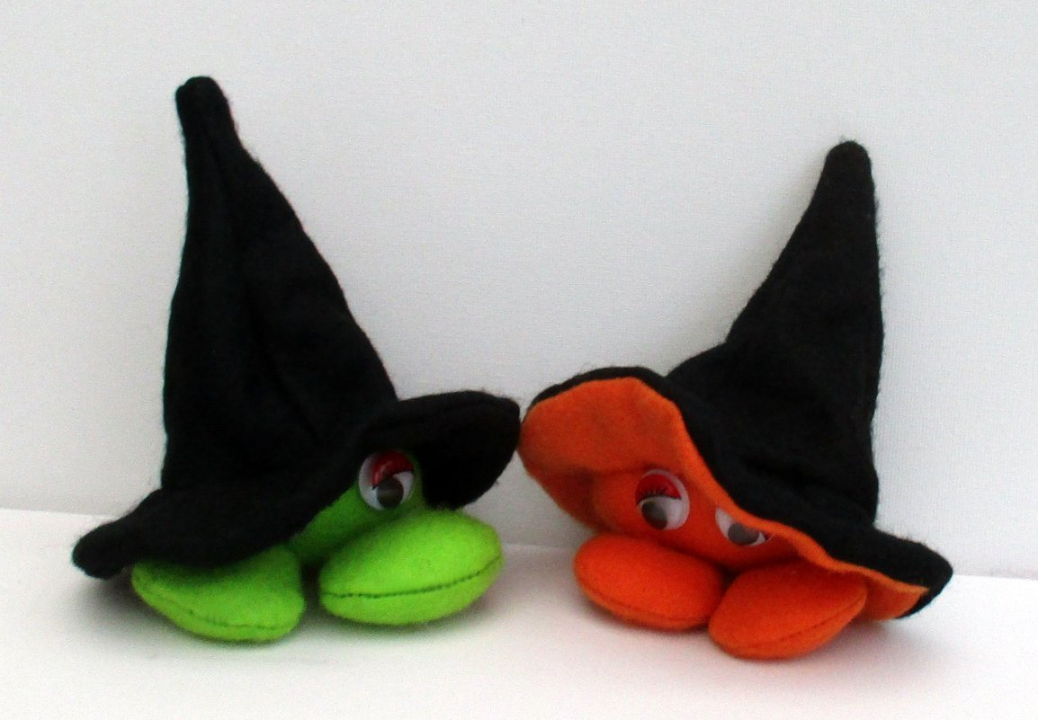 Pod Body halloween soft toy felt sewing kit