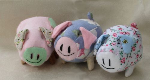 Percy piglet soft toy sewing pattern