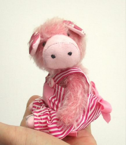 Tilly Piggy cute sewing pattern.  Digital PDF